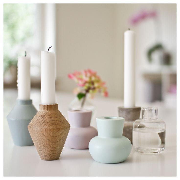 Emiko serien har efterhånden vundet plads i mange hjerter. Stagerne og vaserne fås i mange varianter, nogle er matte og andre har glasur. Bland farver, former og materialer og skab din egen stil. Find dine favoritter og mix dem!