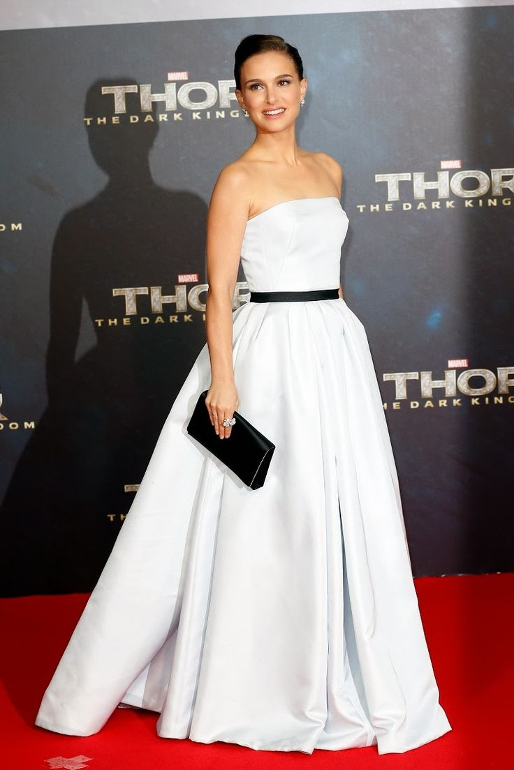 "Natalie Portman - ""Thor: The Dark World"" Berlin premiere2 -- omg her dress is insane!!! I LOVEEEE IT"