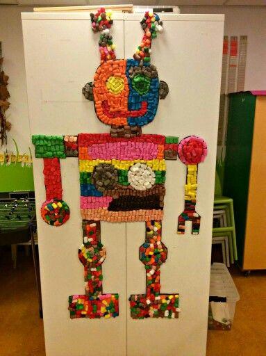 Robot van Playmaïs, gemaakt door de kinderen van SKA-bso de Steppe.