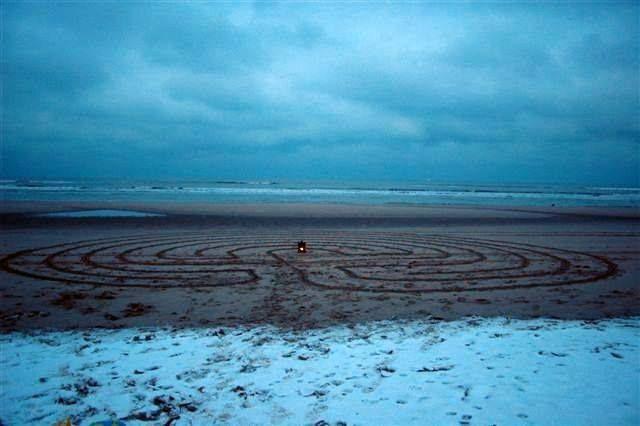 Oudjaarsdag 2013 labyrint bij Parnassia aan Zee, door Astrid Paalvast.