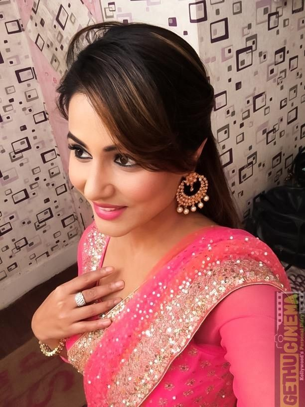 Hina Khan 14 Serial Actress Hina Khan Gallery Tags Hina Khan Yeh