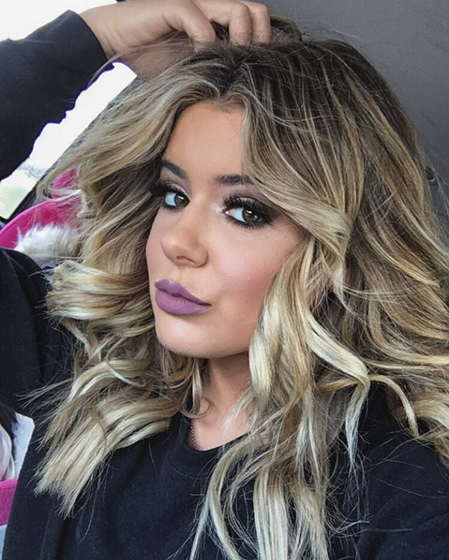 Brielle) (open rp) *text everyone from school* PARTY AT MY HOUSE TONIGHT!!!!!!! IT WILL BE LIT! (Comment if you would like to be in the  groupchat)