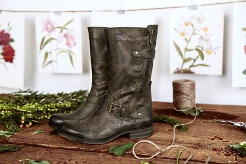 Edgy and chic, the Britain boots from @NaturalizerShoe are a casual mid-calf boot with buckles and N5 Comfort. Want to WIN this shoe? #PinToWin on Facebook.com/Naturalizer
