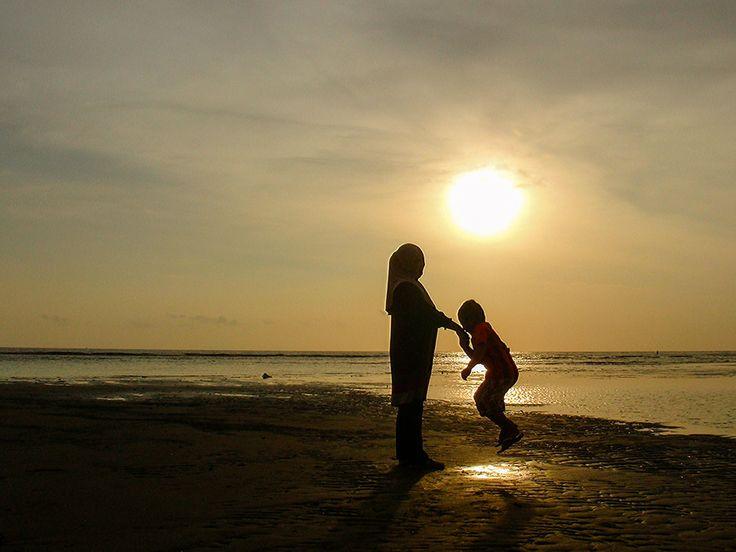 Love you Mom... by Ijal Qadri on 500px