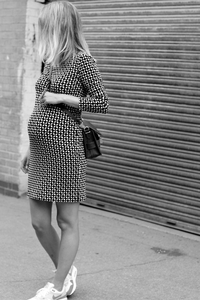 Qui a dit qu'on ne pouvait pas être belle et stylée en étant enceinte ? #bump #kid #enfant #look #jooneparis