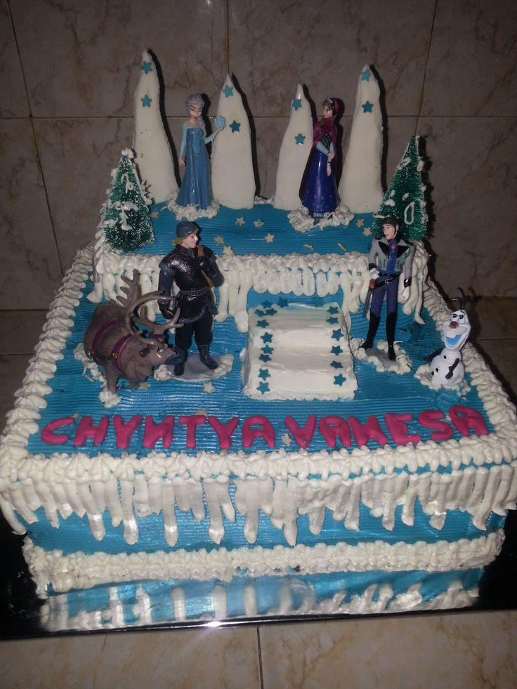 Cake ulang tahun frozen