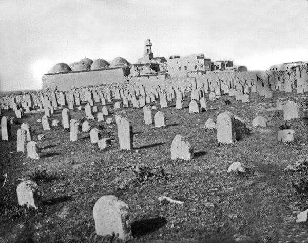 صورة قديمة لجامع ومدرسة الفردوس أو المدرسة الظاهرية البرانية Natural Landmarks Landmarks Mount Rushmore