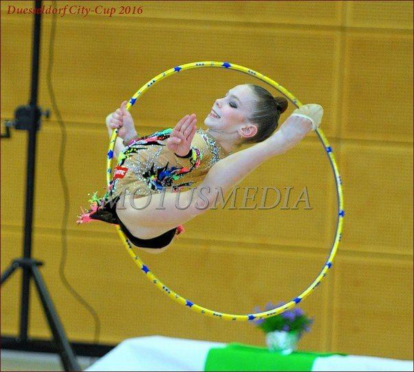 Pin By Awen Bree On Rhythmic Gymnastics Funny Photos