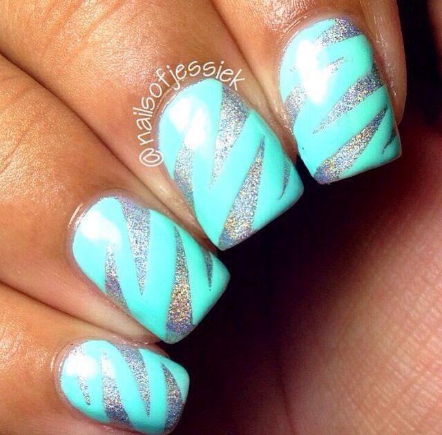 Zig zag nails. Cute. Blue/aqua and silver.