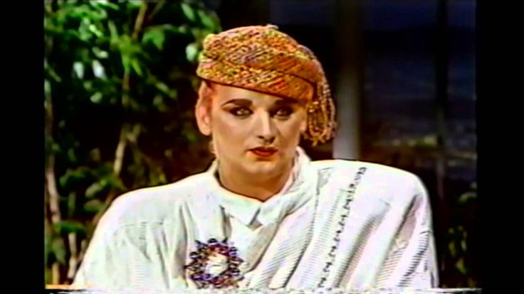 Boy George - First time with Johnny Carson [cc] 1984