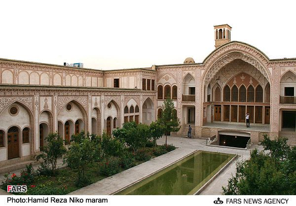 My grandmas old house ameri house kashan iran for Architecture perse