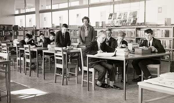 MP 60986. Chadstone High School Library, 1965.