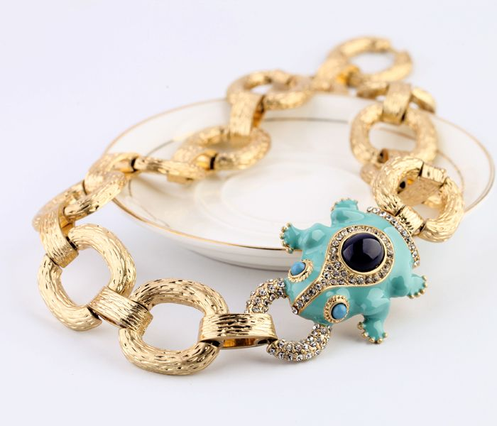 Gorgeous Gold Alloy Necklace With Lovely Pendant - New In Like, Comment, Repin !!!