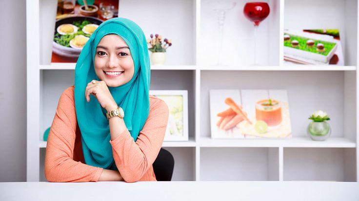 Cara Memakai Hijab Segi Empat Modern Termudah dan Trendy