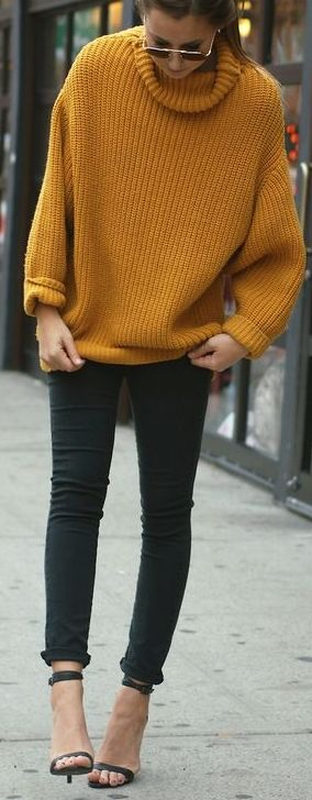 Another great oversized #sweater paired with skinnies. Love this look! #style