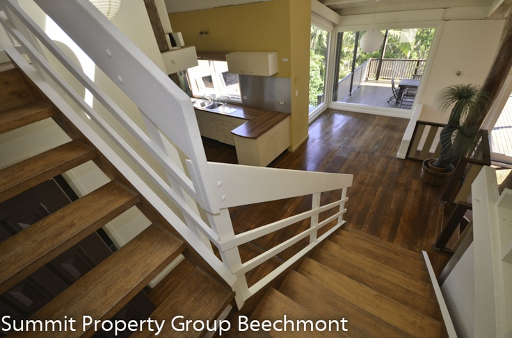 http://summitpgqld.com.au/for-sale/new-owner-wanted-multi-level-red-cedar-pole-home/