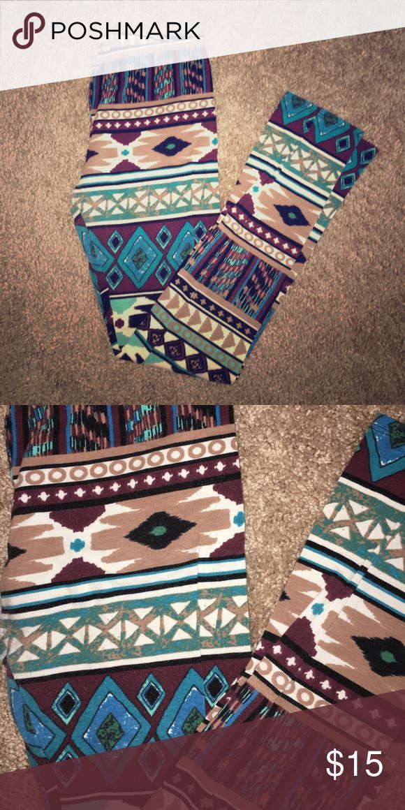 Aztec Tribal Print Leggings 🕶 size medium Aztec Tribal Print Leggings 🕶 size medium, great condition! Only worn once, stretchy cotton material B Envied Pants Leggings