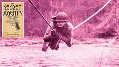 Wie Du zum Spion wirst! Als sich der Zweite Weltkrieg zuspitzte und immer mehr Staaten in den Krieg zogen, entwickelte sich auch die Spionage hinter der feindlichen Frontlinie zu einem erbitterten …