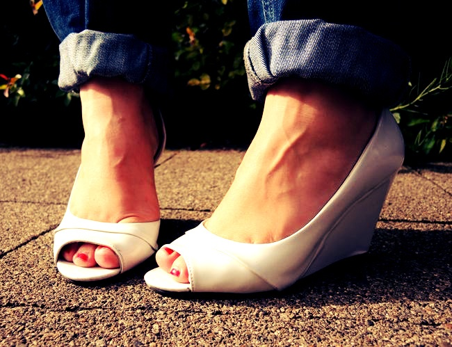 #Navy #blue #Blazer #destroyed #Boyfriend #Jeans #River Island #Striped #gestreift #blau #Sweater #Statement #necklace #HandM #Clutch #Primark #White #wedges #New Yorker #Sunglasses #ZeroUV #maritim #curvy #curve #girl #women #woman #fat #big #fashion #mode #blog #life #lifestyle #plus #size #plussize #Übergrößen #dick #frau #frauen #kurven #kurvig