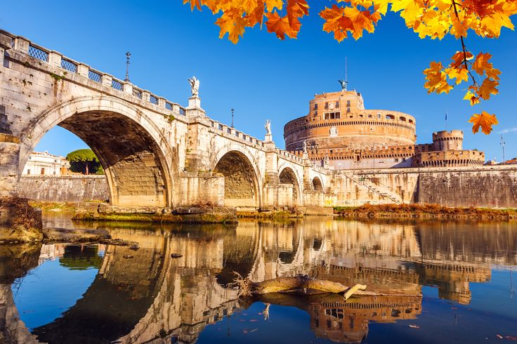 """Bridges are essential: they are links between two shores, two regions or two cities - experience this architectural wonder """"Ponte Sant'Angelo"""" in Rome!"""