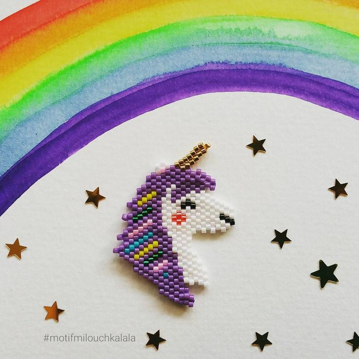 Après mini licorne voici Madame licorne ! #miyuki #perlesmiyuki #miyukiaddict #brickstitch #perlesaddict #beadsaddict #beading #unicorn #licorne #dream #motifmilouchkalala #perlezmoidamour #perlesaddictanonymes #jesuisunesquaw #jenfiledesperlesetjaimeca #jenfiledesperlesetjassume #tissageperlesmiyuki #handmade