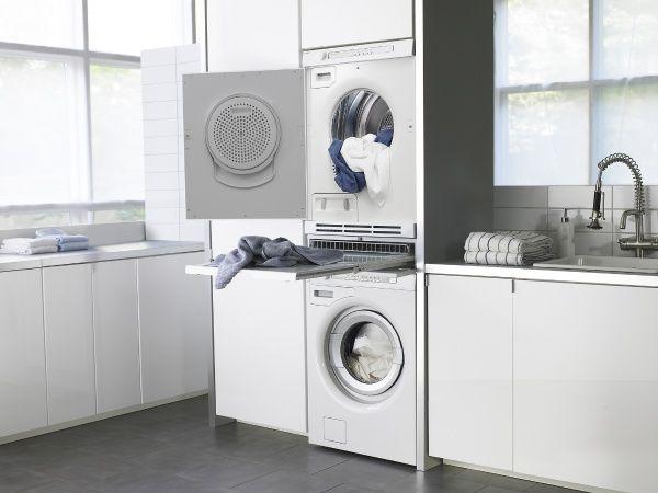 1000 id es sur le th me armoire linge de salle de bains sur pinterest meubles de salle de. Black Bedroom Furniture Sets. Home Design Ideas