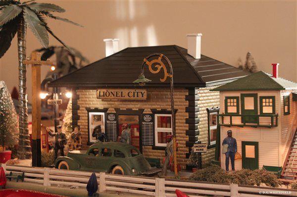 Lionel Train restored station   Christmas Celebration ...