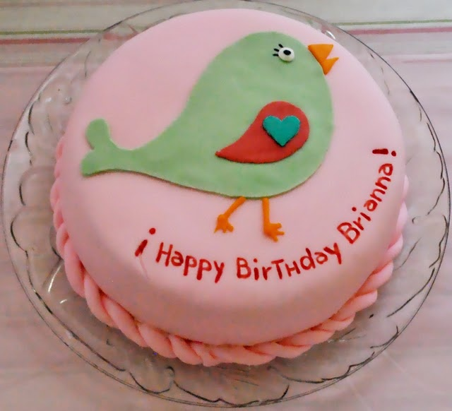 Birdie, Birdy party the birthday cake