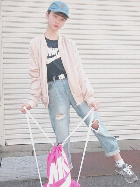 グレースニーカー×ピンクジャケットで春らしく ◇◆ボーイッシュ系タイプのファッション スタイルの参考コーデ◆◇