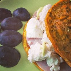 Omelete com sementes de sésamo e girassol