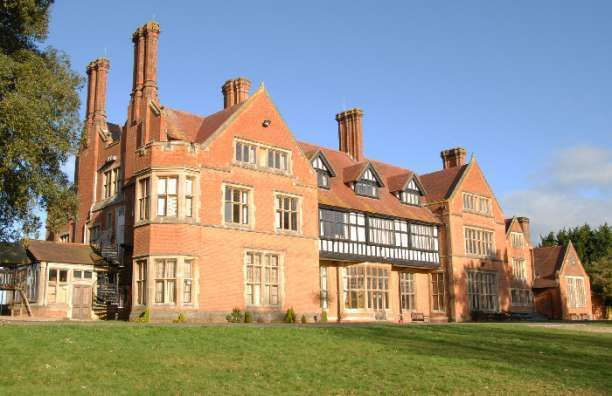 Mill Hall wedding venue in Greenham, Newbury, Berkshire. See all Berkshire venues here http://weddingvenues.com/search.php?county=Berkshire
