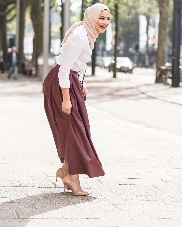 "Pinned via Nuriyah O. Martinez | ""I don't know what made me laugh so hard Skirt from @bymerci, love this burgundy shade for the fall/winter! Scarf is my all time fave Audrey by…"" HijabHills"