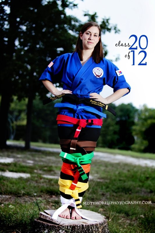 Love this graduation pic idea for Viv!