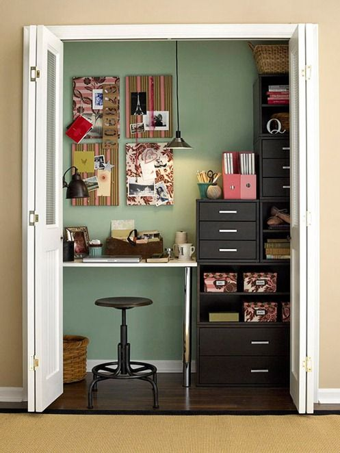pretty office in a closet: Closet Offices, Offices Closet, Crafts Rooms, Offices Spaces, Closets, Offices Ideas, Small Spaces, Closet Space, Home Offices