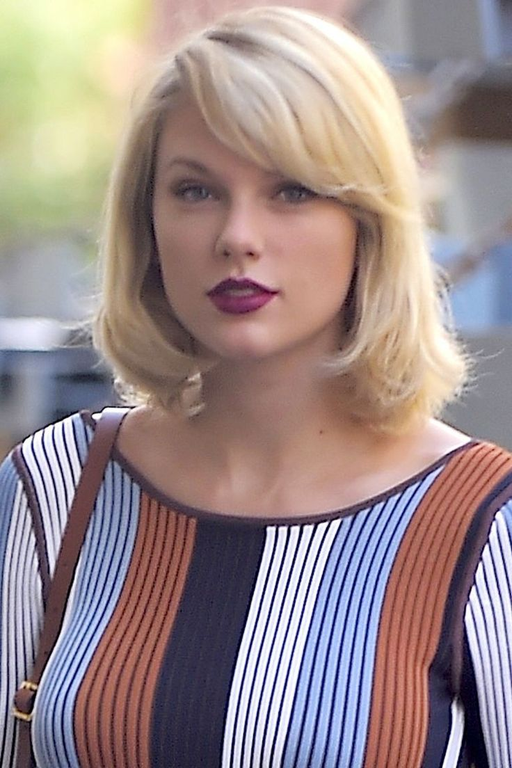 Taylor Swift Hairstyles - Taylor Swift's Curly, Straight, Short, Long Hair