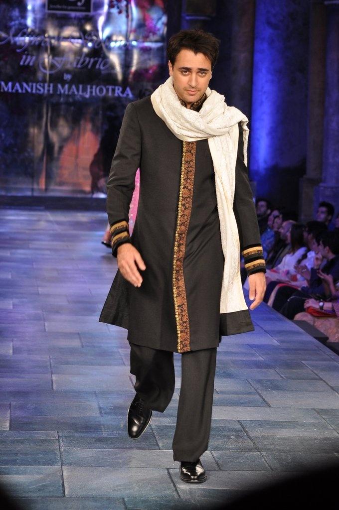 Imran Khan hates luv stories but luvs walking on the ramp!