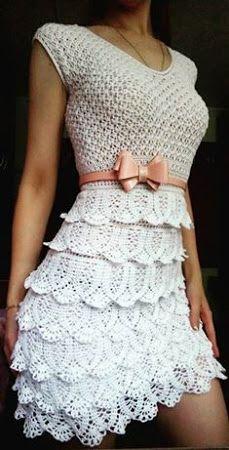 Patrón #1740: Vestido Blanco de Capas a Crochet.