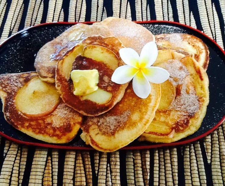 Apple, cinnamon and yogurt pancakes