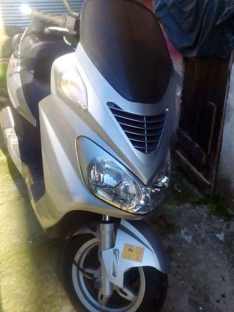 Vendo moto marca Daelim 125. Transferencia a cuenta del comprador.