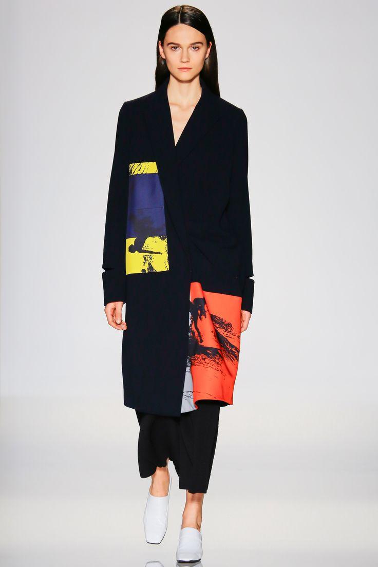 Victoria Beckham Spring 2016 Ready-to-Wear Fashion Show - Sophie Rask