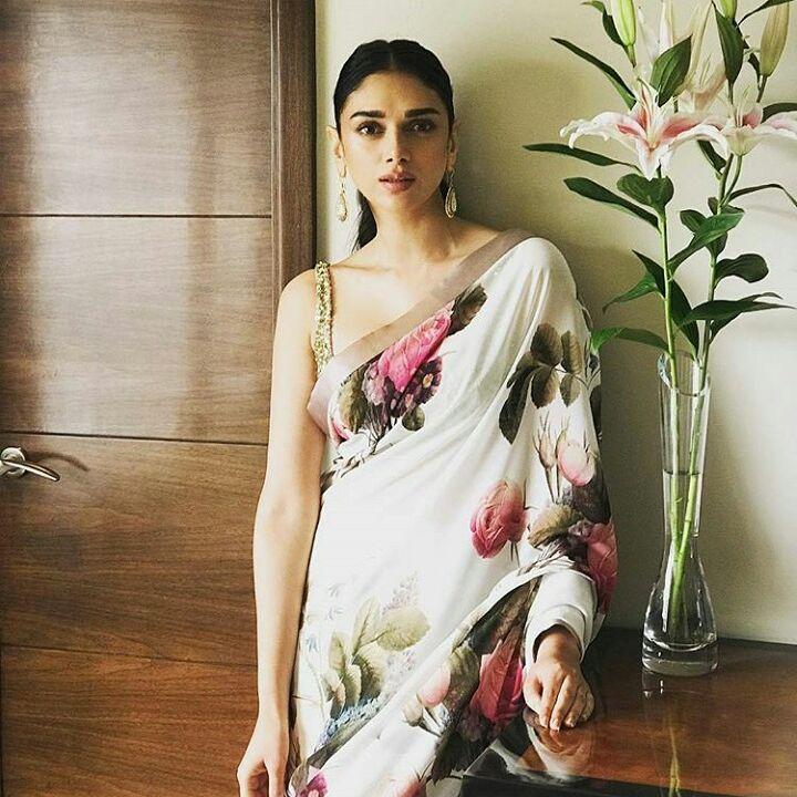 Sabyasach #AditiRaoHyderi seen wearing #sabyasachi sari in #Vogueweddingweek #fashion #fashionshow #Nishsays #vogueweddingshow