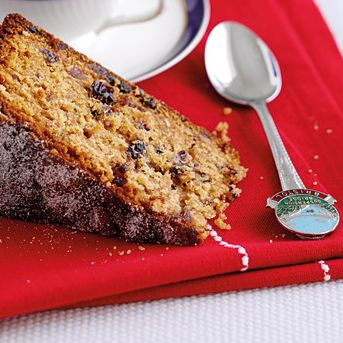 Delicious mincemeat cake, an alternative to Christmas cake.