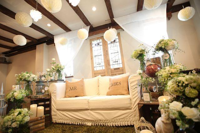 ルメルシェ元宇品|結婚式場写真「ソファーコーディネート」 【みんなのウェディング】
