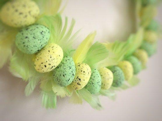 Wielkanocny wianek DIY - krótka instrukcja na blogu.  #diy #wielkanoc #easter