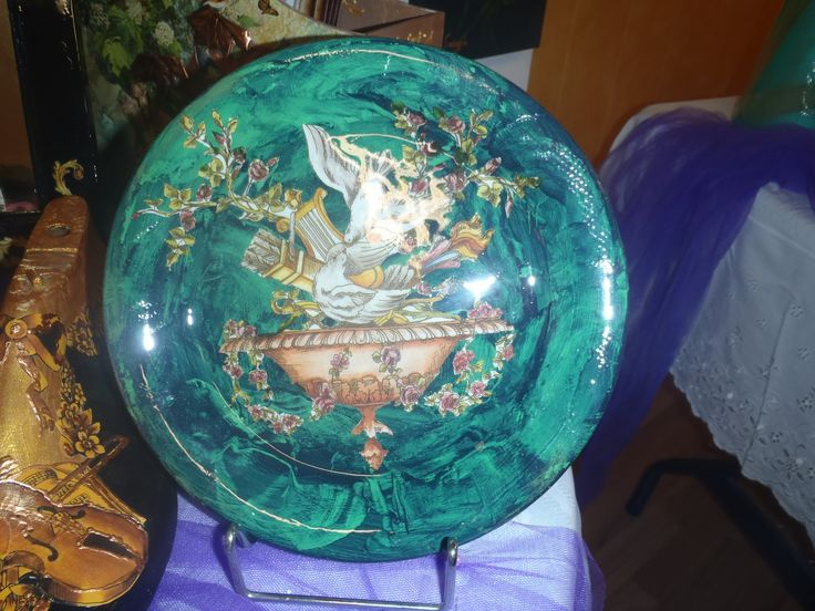 Traditional decoupage on plate and painting malachite www.artvoyage.gr
