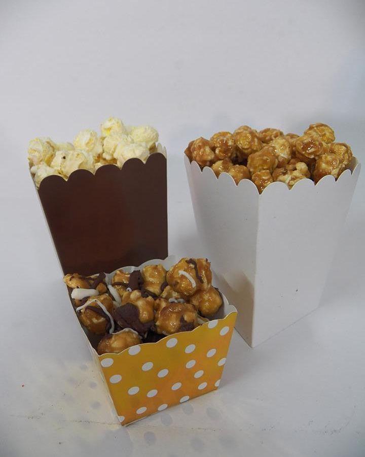 Break the ice with a Popcorn Bar at your Event!  #PopcornBar #Event #Wedding #Babyshower #Birthday . . . . . . . #florida #miami #sanibel #marcoisland #palmbeach #orlando #ftlauderdale #sarasota #keywest #floridakeys #southflorida #floridians #lovefl #happy #yum