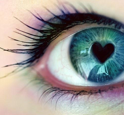 Картинка глаз с сердцем