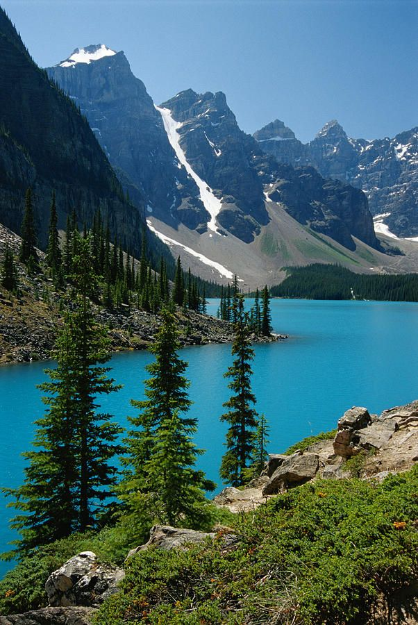 Moraine Lake And The Wenkchemna Peaks Fotografia - Lago Moraine e os picos Wenkchemna Fine Art Print Moraine Lake, Landscape Photos, Landscape Photography, Nature Photography, Photography Tips, Places To Travel, Places To Go, Nature Scenes, Nature Pictures
