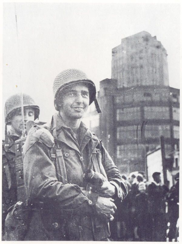 Liberation of Eindhoven - In front of the Lighttower