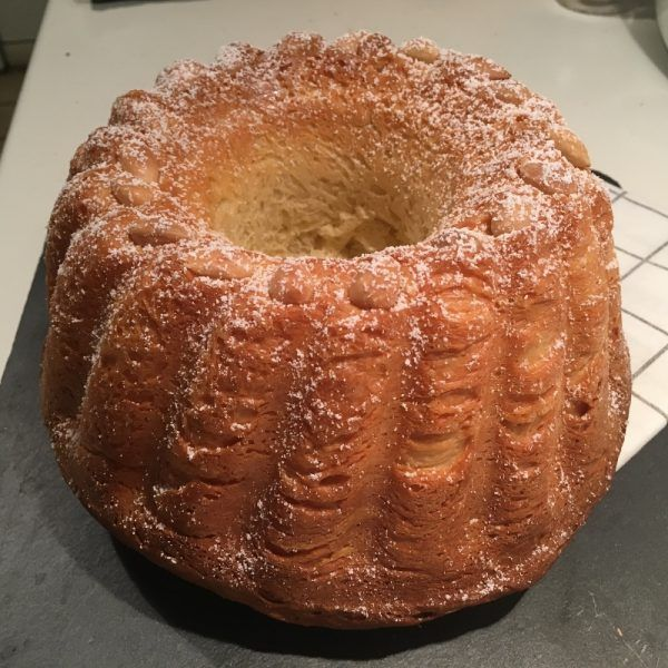 Kouglof Elsassischer Gugelhupf Typisch Franzosisch Rezept Gugelhupf Kuchen Zutaten Apfelkuchen Mit Sahne